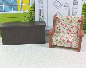 MAPLE TOWN STORY Chair and Counter/Bar, Plastic, 1980's, Vintage Play Set, Miniature Furniture
