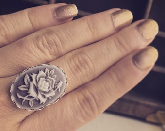 Lavender Rose Cameo Ring / Vintage Style Soft Purple and White Roses / Steampunk Wedding Costume Jewelry / Adjustable Hippie Bohemian Jewels