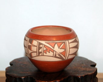Juanita C. Fragua ~ Jemez Pueblo ~ Handcrafted Small Bowl / Pot ~ Fully Signed ~ New Mexico Native American Pottery