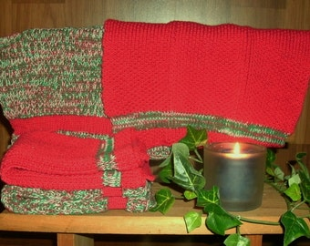 Four Large Pre- shrunk 100 percent cotton machine knit dish cloths...11 inches X 12 inches done in Christmas colors