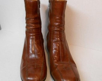 1970's Men's Leather Dress Boots Vintage Rocker Boots Chelsea Boots Round Toe Center Seam Ankle Boots Mens Size 8 Unisex Boots