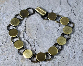 Antique brass or copper bracelet blanks - 10mm circle platform, #372, 372A
