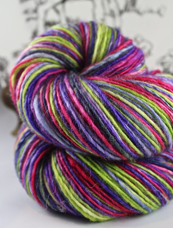 Mauve thread (Dutch Edition)