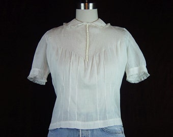 30s Blouse White Sheer Cotton Vintage 1930s Short Sleeve Button Back Tucks Lace Tailor Maid Famous Barr Co S