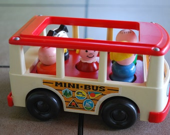 Vintage 1969 Fisher Price Play Family Mini Bus with Five Little People Figures