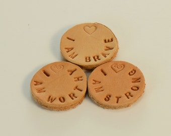 """Choice Of  One Hand Stamped Personalized Inspirational """"I Am"""" Sayings On Leather Pads for 30mm 316L Stainless Steel Aromatherapy Lockets"""