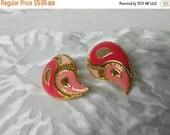 CIJ 60% SAVINGS Avon  Kaleidoscope   clip earrings Mint condition 1990 shades of Pink original box