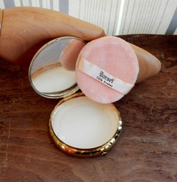 Vintage Compact Dorset Fifth Avenue Powder Compact w Etched Flowers 50's 60's Mid Century Beauty Fashion Cosmetics Vanity Pink Powder Puff