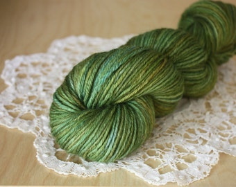 Hand Dyed Worsted Weight Yarn / Moss Olive Green Golden Green Mediterranean Superwash Merino Wool / NEW