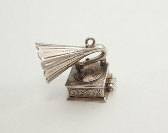 Exquisite Rare Vintage Sterling Phonograph Charm - Opens to reveal a mouse