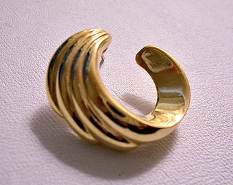 Monet Ribbed Open Crescent Circle Single Replacement Pierced Post Stud Earrings Gold Tone Vintage Open Swirl Lined Back