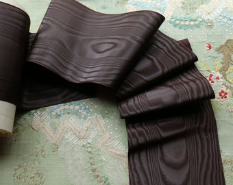 """1.5 yards Antique silk moire ribbon 4 """" wide deep brown excellent condition bonnet mourning millinery hat trim victorian civil war Dickens"""