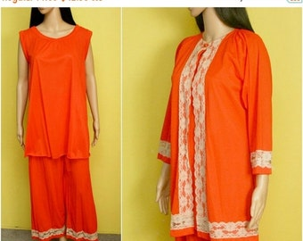 FALL SALE 15% OFF Vintage 60s orange red lace pajamas three-piece set (small / s)