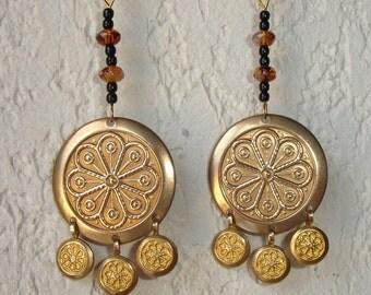 Boucles d'oreilles Celtiques et mini-perles noires et perles à facettes
