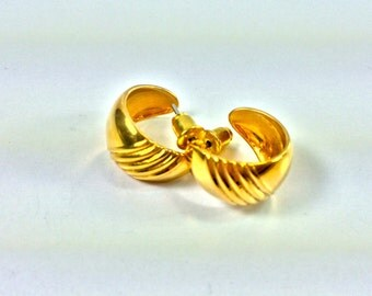 Gold ridged half hoops