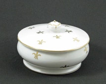 Vintage Porcelain Powder Box Round Trinket or Jewelry Container NASCO Fleur De Lis