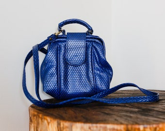 80s Navy Blue Snakeskin Textured Leather Cross Body Purse.