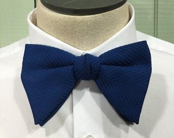 Vintage Royal Blue Bow tie, 1970s Bow tie, Royal bow tie, Clip on Bow tie
