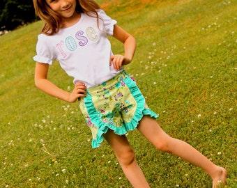 Girls Outfit - Girls Monogram Shirt - Girls Shirt - Personalized Shirt - Girls Shorts - Girls Ruffle Shorts  - Girls Clothing - Monogrammed
