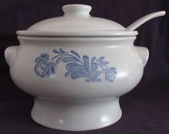 Vintage Pfaltzgraff Soup Tureen, Lid & Ladle, Yorktowne, USA