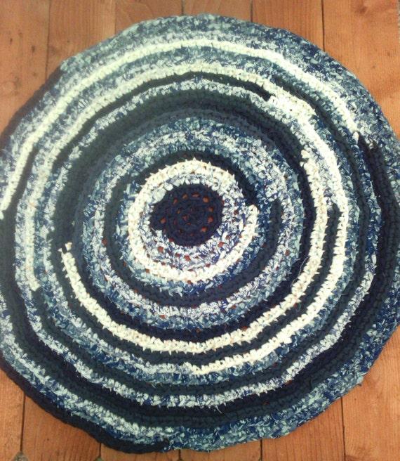 Washable Primitive Rugs: Rag Rug Crocheted Round: 32 Machine Washable And