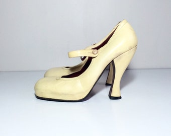 Vtg 80s 90s Vivienne Westwood pastek yellow leather platform mary jane curved high heel shies size 38.5