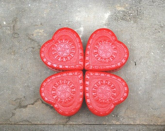 Vintage Heart Box Set of Four Red Plastic Boxes with Lids for Party Favors Candy Trinket Jewelry Storage Wedding Decorations Home Decor