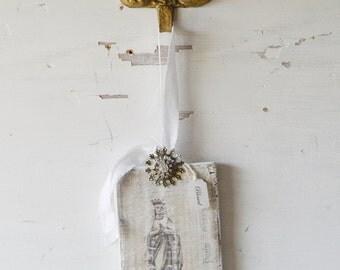 Virgin Mary, Mother Mary, Shabby Religious, Religious Decor, Shabby Decor, Religious Ornament, French Mother Mary, Shabby French