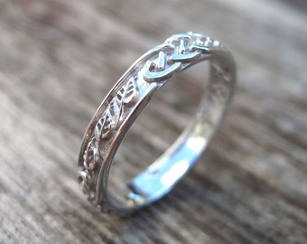 Celtic Wedding Band With Leafs, Wedding Ring, Wedding bend, Infinity Wedding , Leaf Wedding Band,Celtic ring, Celtic Band