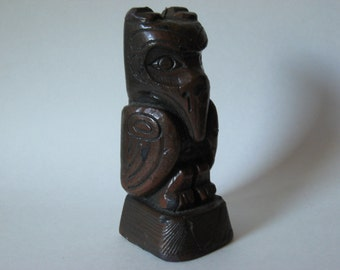 Odd mod retro vintage Thunderbird  totem pole replica candle 70s simulated wood raven
