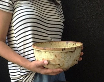 large 1970s studio stoneware bowl / speckled cream