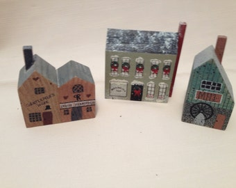 3 Wooden Buildings Village Stories Christmas Home Decor Collectibles All Everything Else