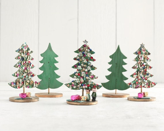 Vintage wooden christmas tree decorations set of 5 funky for Funky decorations for the home