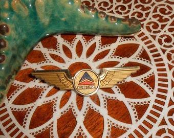 Vintage Stoffel Seals Delta Airlines Junior Flyer - Gold Plastic Wings Pin