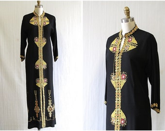 CAFTAN CARAVAN Vintage 70s Kaftan | 1970's Black & Gold Soutache Embroidered Tribal Bedouin Maxi Dress | Folk, Hippie, Boho | Size Medium