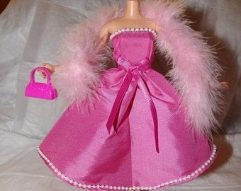 Stunning pink Taffeta party dress with pearl trim & pink feather boa for Fashion Dolls - ed819