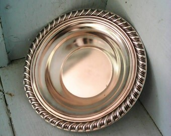 Wm Rogers Silver plate Candy/Nut Trinket Bowl