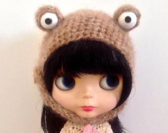 Light brown monster hat for blythe doll