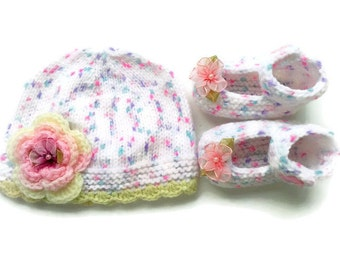 Hand knitted newborn  baby  Mary Jane shoes and Hat set FREE SHIPPING