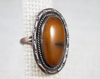 Large Vintage Native American Indian Sterling Silver and Natural Amber Ring
