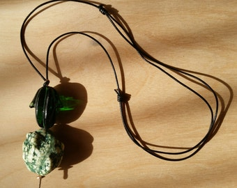 GIFT IDEAS - Deep Green Chunky Howlite and Glass Necklace