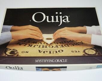 Ouija Board Mystifying Oracle William Fuld Séance Halloween Fun Seance