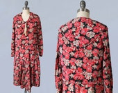 1920s Dress / 20s Colorful Floral Silk Flapper Dress / Middy Collar / Triangular Panels