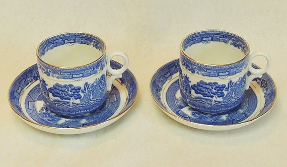 Antique Royal Grafton Blue Willow Bone China England.. 2 Cups & 2 Saucers