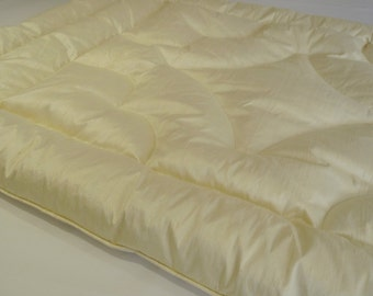 Luxury Bedroom Decor Silk Dupion in Vanilla Feather Eiderdown Quilt Comforter