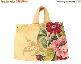 On Sale Now Adorable Vintage Cloth Hand Bag Sewing Bag 1940s Huge Cabbage Roses Cottage Rose