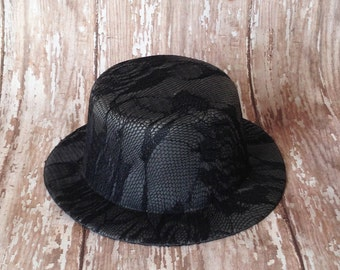 Black Lace Mini Top Hat | 5 Inch Wide, 2 Inch Tall