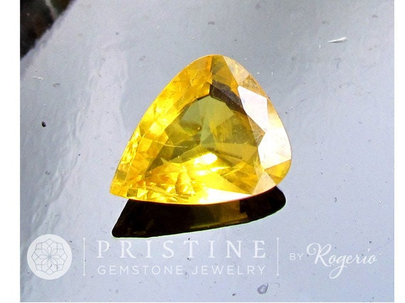 Canary Yellow Sapphire Pear Shape Loose Gemstone for Custom Jewelry or Sapphire Pendant 4.91 Carats