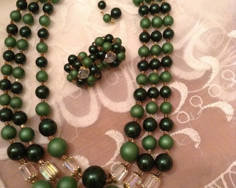 Vintage 1950s /50s Emerald Green Bead and Crystal Faceted Barrel Beads Jewelry Set / Necklace / Earrings / Japan