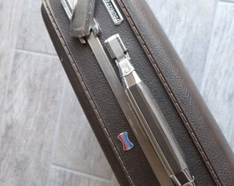 Very nice Vintage American Tourister Briefcase with key